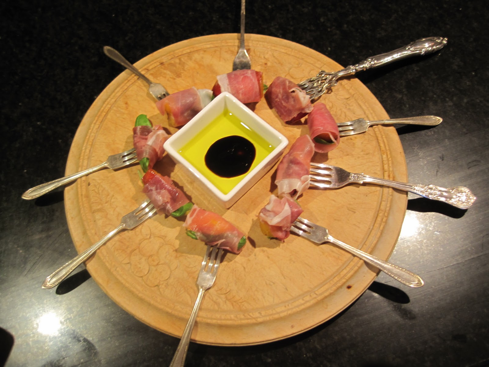 Canap ideas the egg - Canape vintage occasion ...